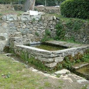 Le lavoir ou se rencontraient les femmes du village. Il a servi jusque dans les années soixante.