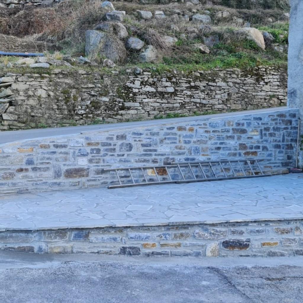le mur extérieur supérieur restauré